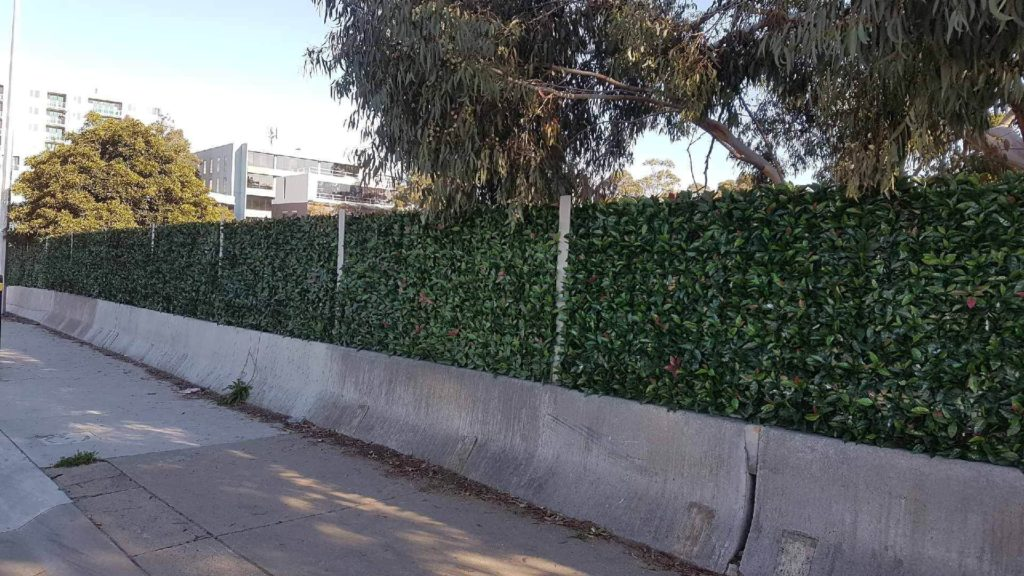 fake hedges