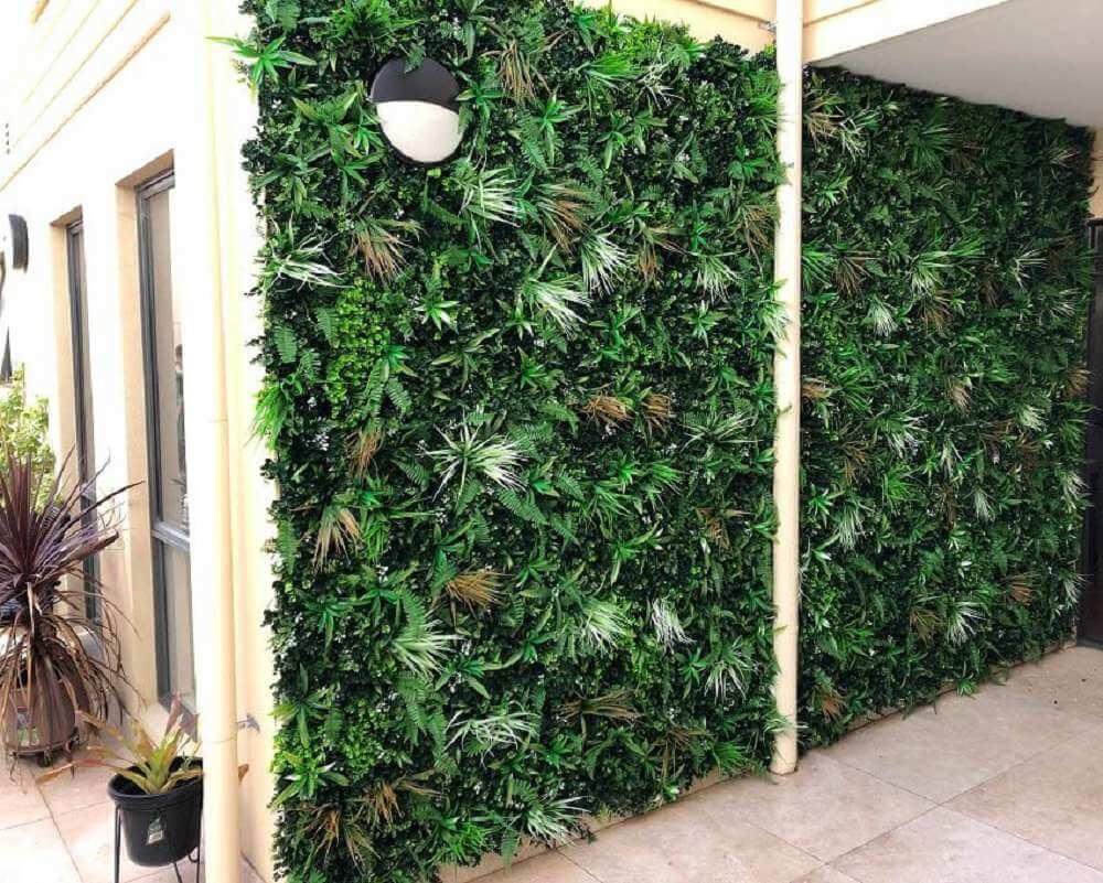 wild tropics bushy vertical garden panel