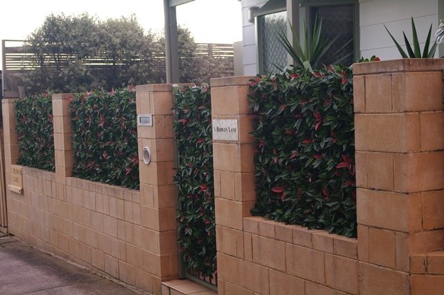 artificial red tipped hedge tile